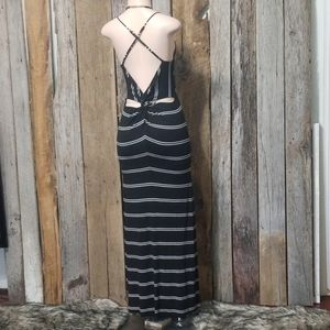 ❌HOLD F/NAT❌OLIVACEOUS STRIPED CUT OUT BACK MAXI!